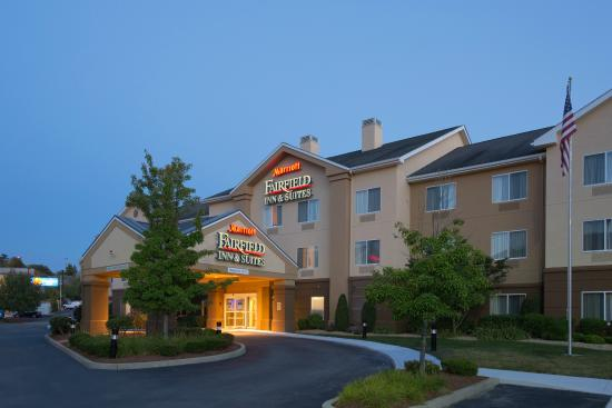 Fairfield Inn & Suites Boston Milford: Hotel Exterior