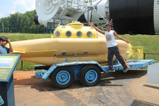 Huntsville, AL: The Yellow Submarine exists.
