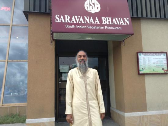 Saravanaa Bhavan : outside view 2