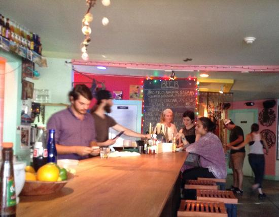 Cherry Valley, Nowy Jork: At the bar