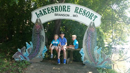 Lakeshore Resort: Great place for the kids