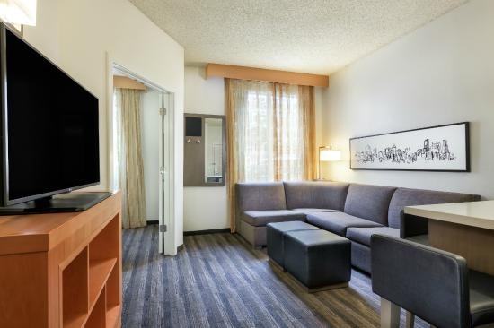 HYATT house Houston/Galleria: One Bedroom Suite