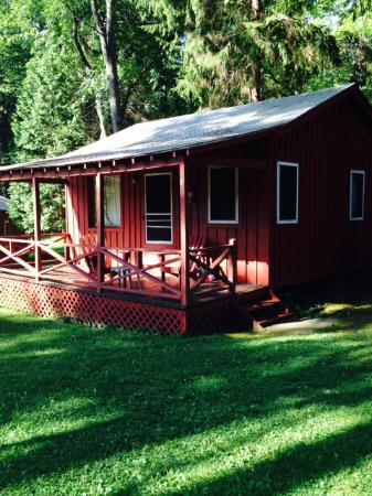 retreats getaway cabins from usa city a perfect in retreat provide log the york new area can cabin
