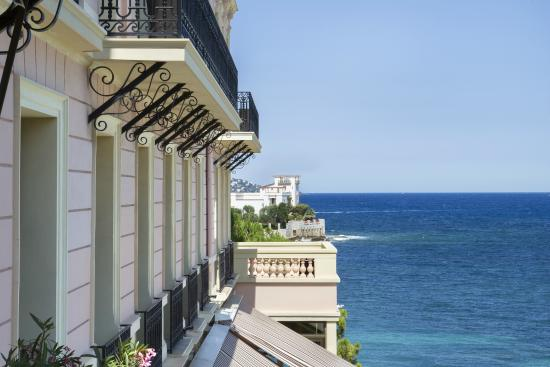 Hotel Royal-Riviera: View over the Kérylos Villa