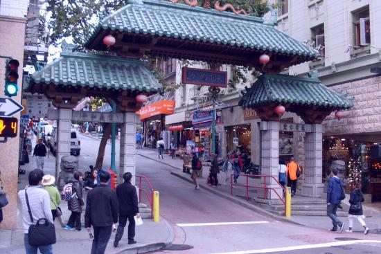 Chinatown Gate: Chinatown's golden gate