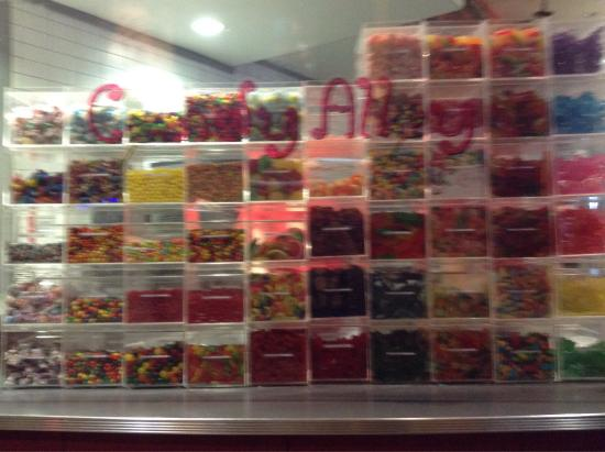 Pzazz Resort Hotel: The Candy Alley... located in PZAZZ. Good candy, great prices!!
