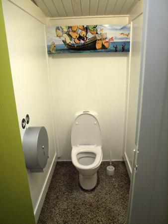 Lolland, Dinamarca: Renovated gents toilet.