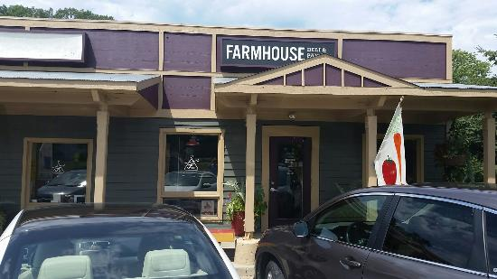 ‪The Farmhouse Deli & Pantry‬