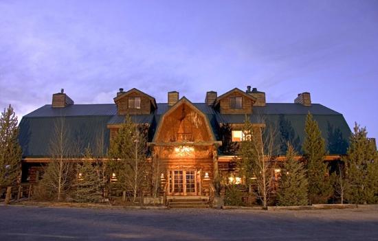 Bar-N-Ranch: Exterior