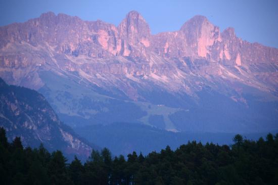 Hotel am Hang: Aussicht: Dolomiten am Abend