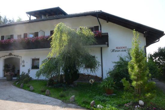 Hotel am Hang: Hotel von außen