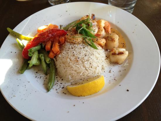 The Cabin: Scallops, Prawns and Rice