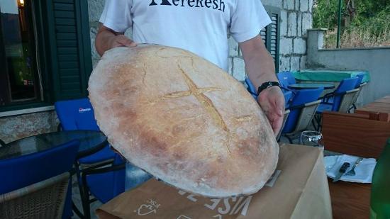 Zagvozd, Horvátország: Home made bread