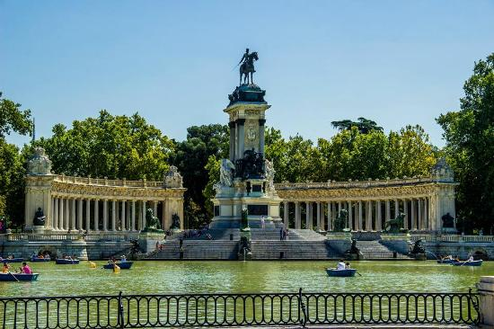 photo0.jpg - Picture of Retiro Park (Parque del Retiro), Madrid - TripAdvisor