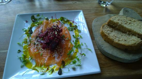 Red Lion: Gin cured salmon