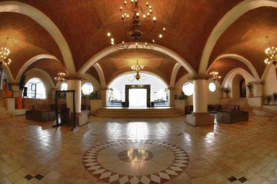 Hotel Gran Plaza & Convention Center: lobby
