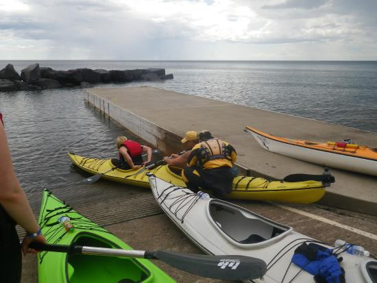Sawtooth Outfitters: Loading up the kayaks to head out