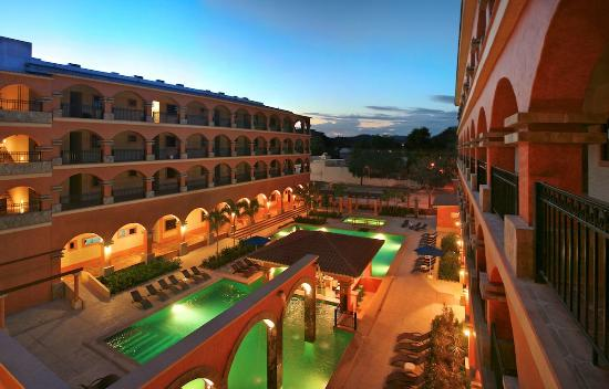 Marina Park Plaza Huatulco : Pool View