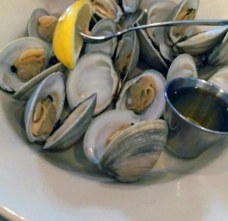 Bon NorthEast Seafood Kitchen: Steamed Littleneck Clams