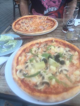 Rydebacks Restaurang & Pizzeria
