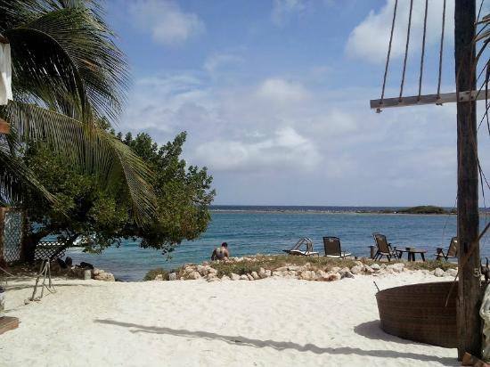 Aruba Reef Beach Apartments Vista Da Entrada Para O Deck E Praia