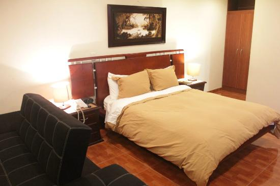 Hotel Charlies Place: Cama comfortavel