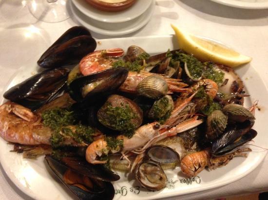 Es Grop : Seafood platter