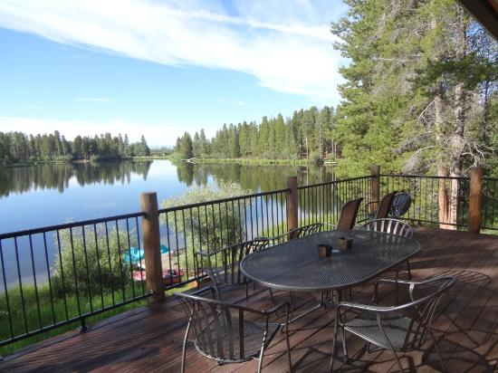 Moose Lake Lodge, LLC: Log House deck