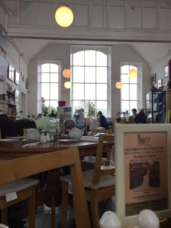 Mae's Tea Room & Gallery: Best afternoon tea!