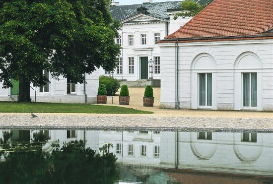 Hotel Schloss Neuhardenberg: Schlossensemble