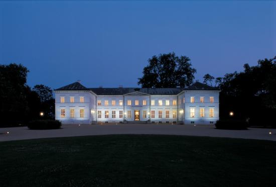 Neuhardenberg, Tyskland: Schloss bei Nacht