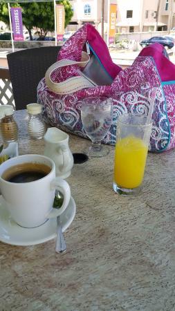 Un Jus D Orange Frais Fait Maison Et Un Tres Bon Cafe Picture