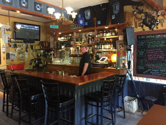 Barley and Hops Tavern: photo0.jpg