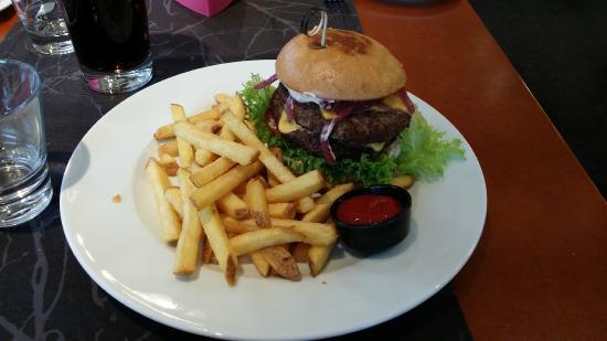 Brasserie Terra Nova: Hamburger