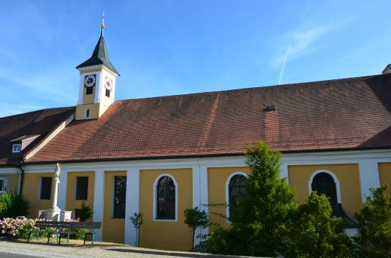 Kirche Strahlfeld
