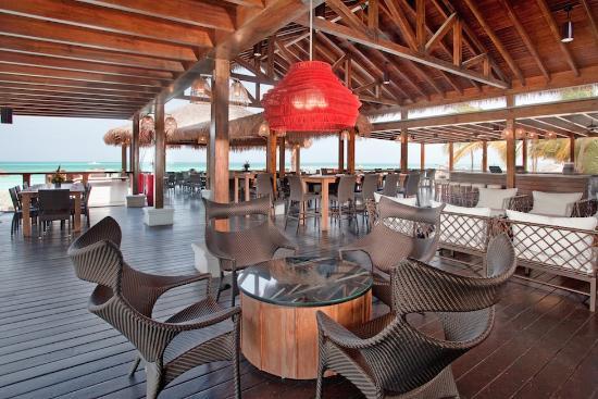 Sea Breeze Restaurant & Bar