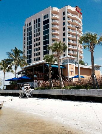 Lovers Key Resort: Lover's Key and Flippers waterside Restaurant