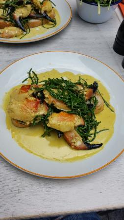 Dublin Woolen Mills : Really lovely lunch, curried crab claws were amazing!