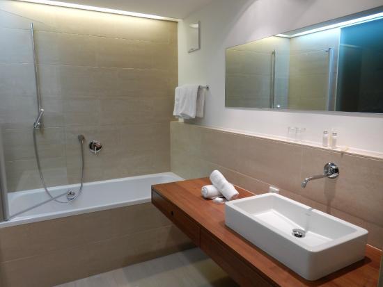 Skihotel Galzig: ванная