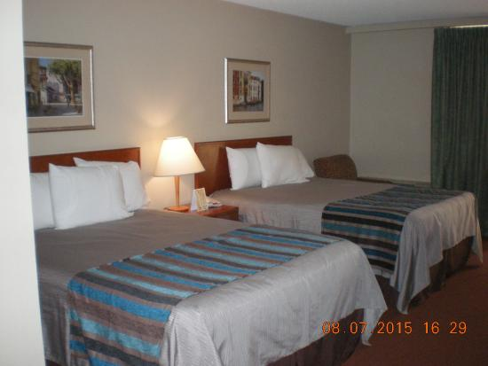 Good Nite Inn - Redwood City: Two Bed Room