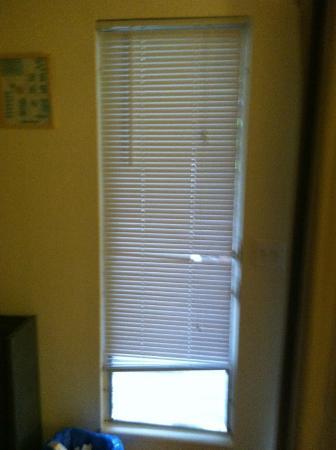 Tahoe Vistana Inn: lovely blinds