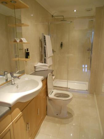 No 1. The Mansions by Mansley: Bathroom #1