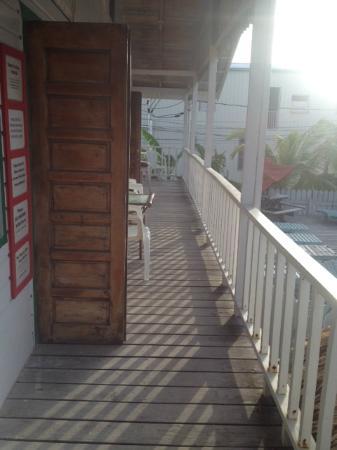 Pedro's Inn Backpacker Hostel: Hostel Deck