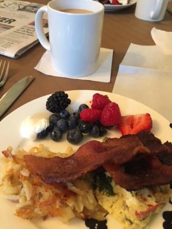 Barksdale House Inn: Sunday Breakfast