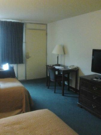 Econo Lodge Ponderosa: A view of our room.