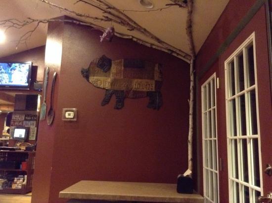 Piggyback Barbeque: Piggyback BBQ interior