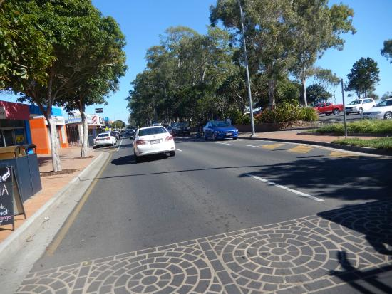 Fraser Lodge Holiday Park: foreshore road