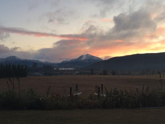 Mountain Range Boutique Lodge: View from our bedroom