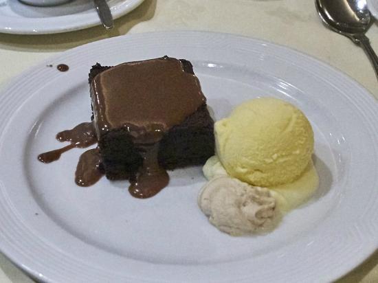 The New Ship Restaurant: New Ship: Chocolate brownie with vanilla ice-cream