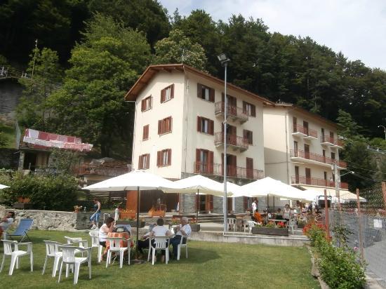Ala di Stura, Włochy: Esterno della struttura